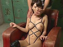 Cock thirsty Japanese babe plesuring..
