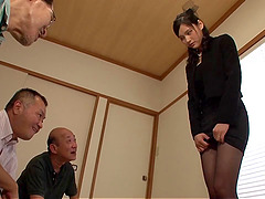 Horny office babe getting her mouth..