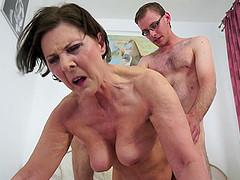 Cougar never bothered shaving her slit..