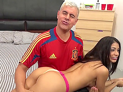 Sexy Spanish babe proves how well she..