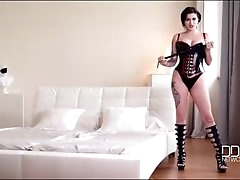 Dirty talking mistress is amazing in..