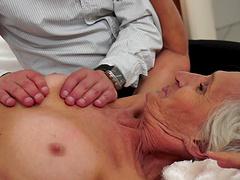 Bleach blonde granny takes an orgasmic..