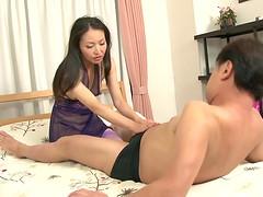 Cock loving Japanese mature slut can't..