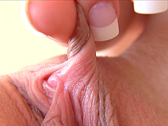 Mind blowing extreme close up of clit,..