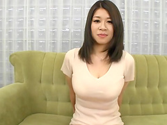 Busty Japanese MILF gets her hairy..