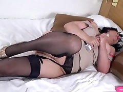 Thick solo mature lady toys her tight..