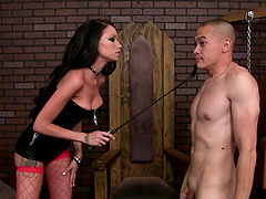 A mistress cockolds one slave while..