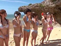 Nasty Japanese babes in bikini get..