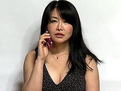 Horny Japanese cougar has a hardcore..