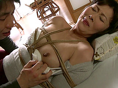 Asian rope bondage where she gets tied..