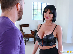 Mom with big tits gets banged by a guy..