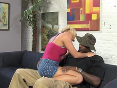 Interracial FFM threesome with pigtail..