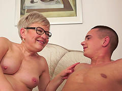 Horny granny gets that vintage pussy..