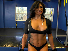 Dude meets a muscle milf in the gym..