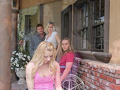 Blonde Julia Ann having her pussy..