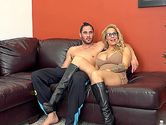 Huge tits milf babe in boots banging..