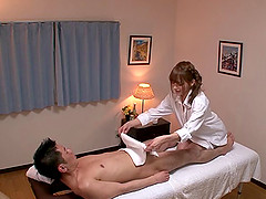 This Asian massage girl knows how to..