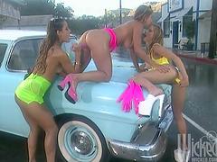 Car wash lesbians licking & anal..