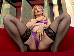 Nina Hartley's wet and wild pussy gets..