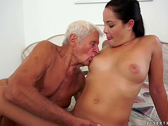 Teen hooks up with a grandpa and rides..