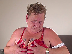 BBW turns on her vibrator and pounds..