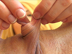Pussy lip twisting blonde chick does..