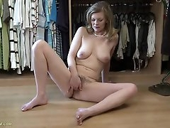 Hairy housewife fingering on the floor..