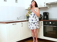 Curvy mature housewife makes love to..