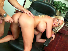 Bigtit Blonde Wife Diamond Foxxx..