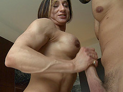 Most desirable muscular babe rides the..