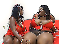 Two very fat ebony lesbians play dirty..