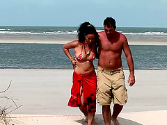 Beach vacation double penetration in a..