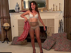 Sweet mature Lori sextoys and fingers
