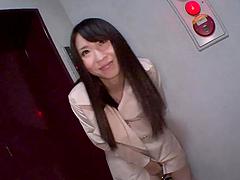 Haruna Nakayama plays with her snatch..