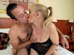 Horny cougar gladly allows the..