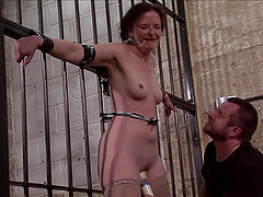 Slave Caroline Pierces frontal..