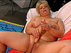 Lusty mature BBW is madly in love with..