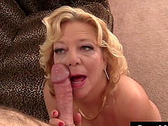 Mature Woman hairy pussy fuck