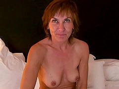 Saucy mature bimbo Jeannie Lou gets..