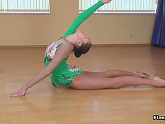 Cute ballet dancer gets horny and..