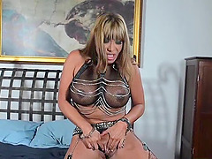 Fake tits cougar fisting her anal when..