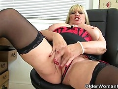 English milf Alisha Rydes gives her..