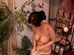 Breathtaking masseur from Japan plays..