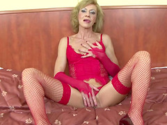 Granny hairy pussy getting ass fucked..