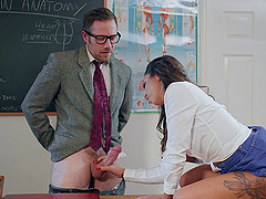 Roxxy Lea the college girl smashed..