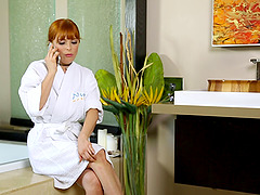 Penny Pax knows how to seduce a man..