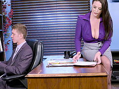 Angela White spreads her legs for a..