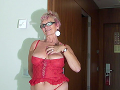 Mature blonde dolls up for a great..