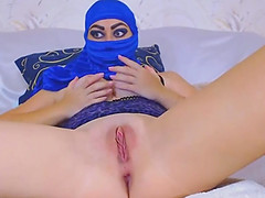 Squirting Muslim Arab Babe Loves Anal..