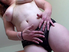 Chubby babe Magdalena loves making her..